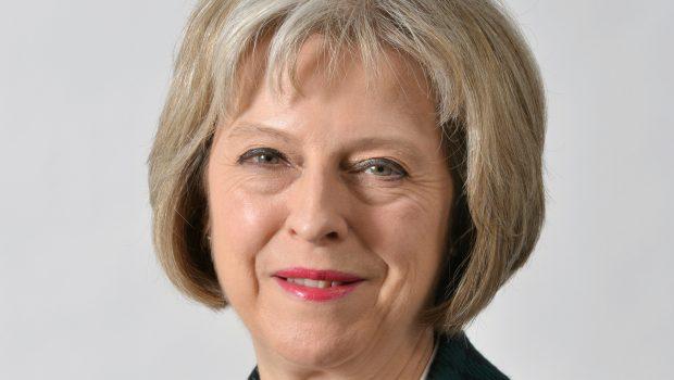 ראש ממשלת בריטניה מתחייבת להעלאה שנתית אוטומטית של הפנסיות