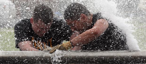 חברת הביטוח חויבה לתקן נזקי מים שנגרמו על ידי ספקית שירותי הצנרת