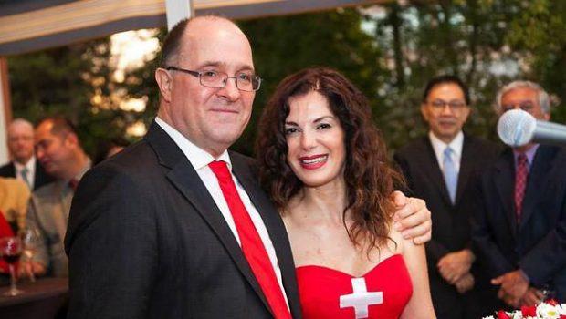 שגריר שווייץ בטורקיה וולטר הפנר ויתר על מינוי לשגריר באיראן עקב הזוגיות עם אשת הביטוח הישראלית תמי אלמגור