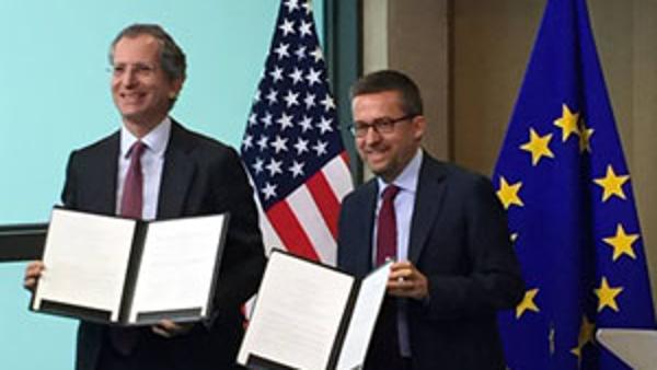 """נחתם הסכם ביטוח משנה בין האיחוד האירופי וארה""""ב לאחר יותר מעשרים שנה של דיונים"""