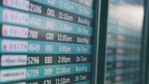 לוח טיסות בשדה תעופה, אילוסטרציה