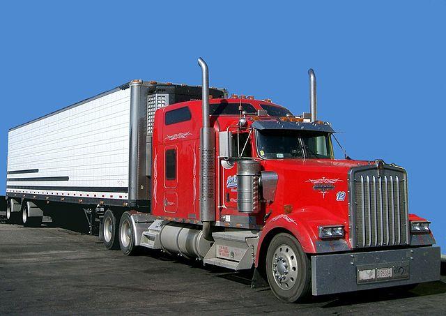 """נפילה ממשאית בזמן תדלוק היא בגדר תאונת דרכים לפי חוק הפלת""""ד / מאת עו""""ד ג'ון גבע"""