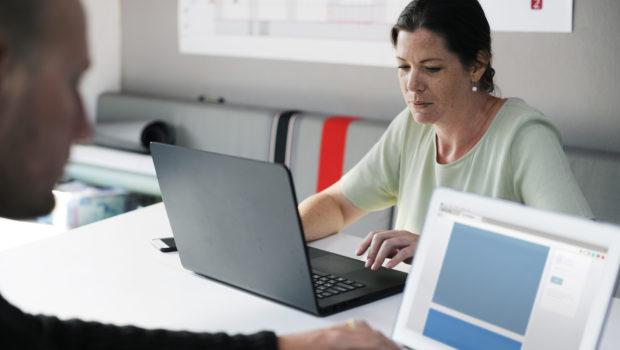 תוקן התקנון האחיד של קרנות הפנסיה: גיל הפרישה לנשים יישאר 62
