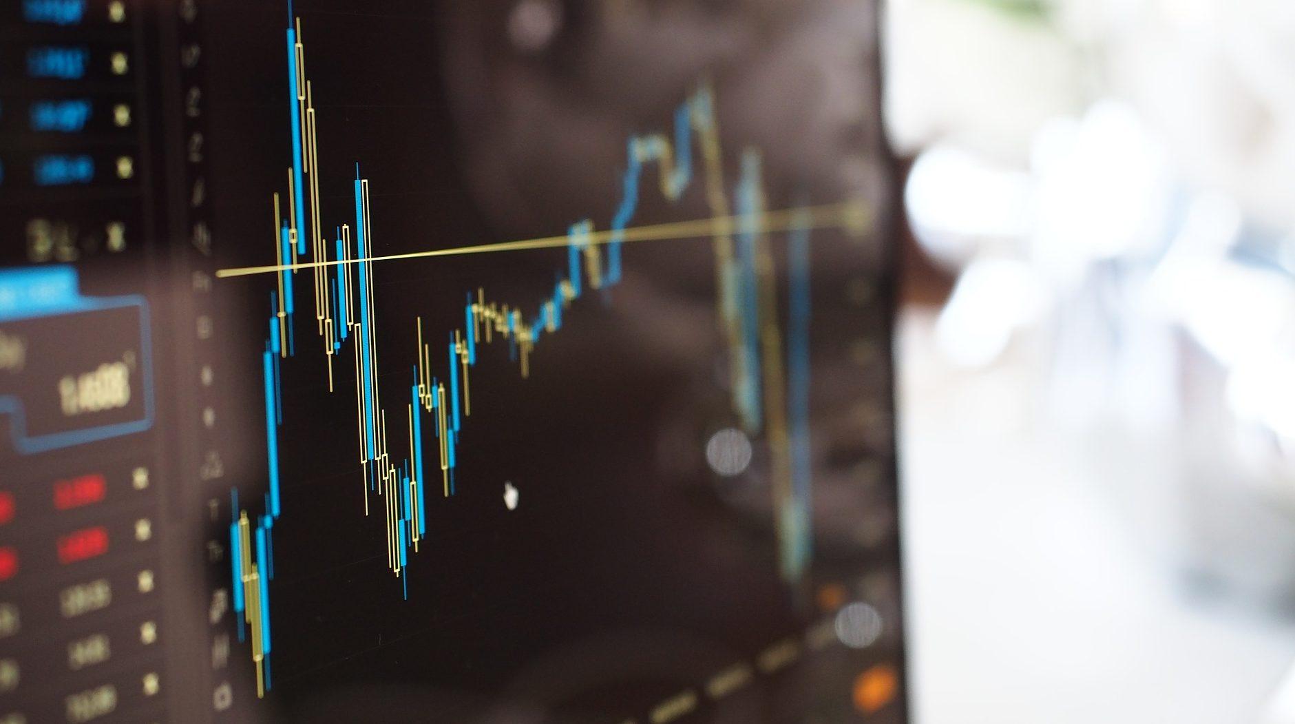 סיכון או סיכוי? החשיפה למניות בקרנות פנסיה ברירת מחדל גבוהה יותר מבקרנות של חברות הביטוח