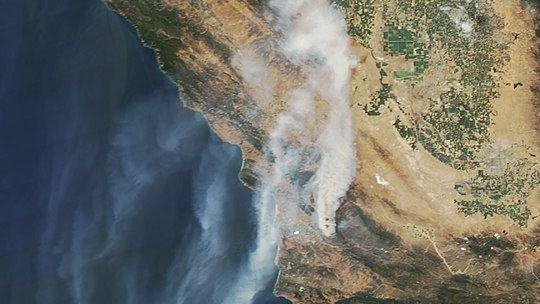 """שריפת הטבע בצפון קליפורניה היא היקרה ביותר בהיסטוריה של ארה""""ב"""