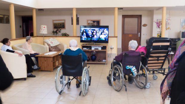 """הרפורמה בביטוח סיעודי קבוצתי:מבוטחים מגיל 55 ומעלה יוכלו להצטרף לביטוח בקופ""""ח ללאחיתום"""