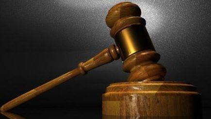 אמיר (שלמה) נחום, לשעבר בעלי חברת אורתם סהר הנדסה, תובע את AIG, כלל ביטוח והראל