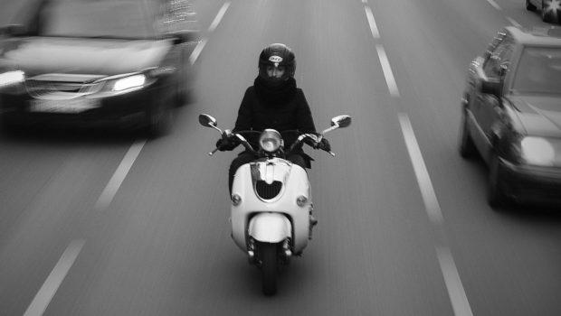 מורי נהיגה לאופנוע עותרים נגד הפיקוח: אין להכפיל את תעריף החובה במקדם כפול