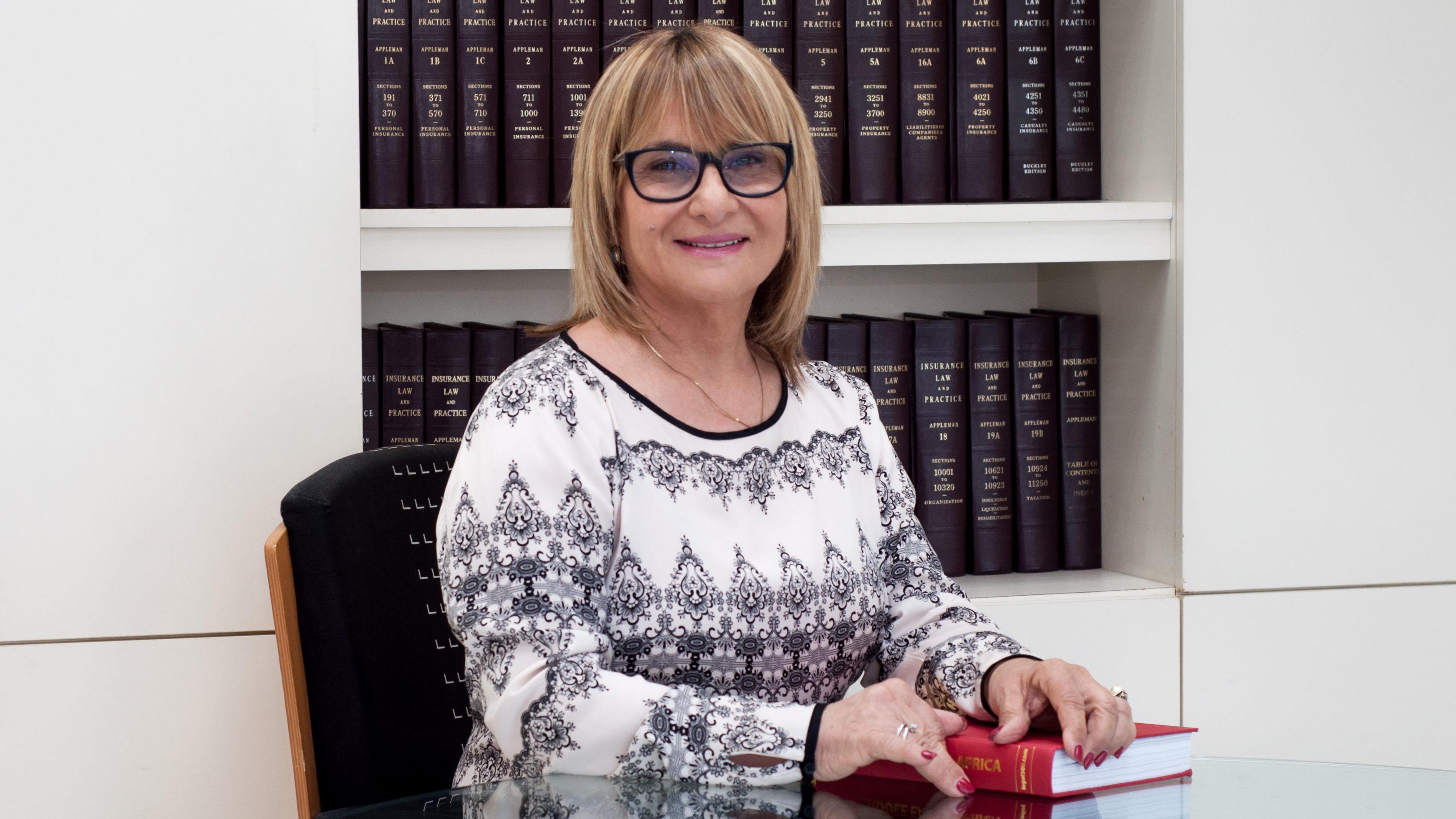 """הפרת תנאי הביטוח על ידי המבוטח – מגמות בעמדת היועץ המשפטי / מאת עו""""ד פגי שרון"""