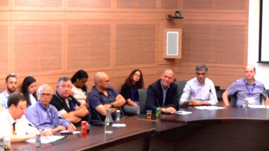 """ח""""כ שרן השכל בישיבה על חוק חוזה הביטוח: שינוי החוק יוביל למהפכה בהגנה על האזרחים"""