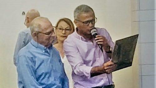 שגיא יוגב ערכה טקס הוקרה לשעיה זילברמן לרגל פרישתו לגמלאות בגיל 81