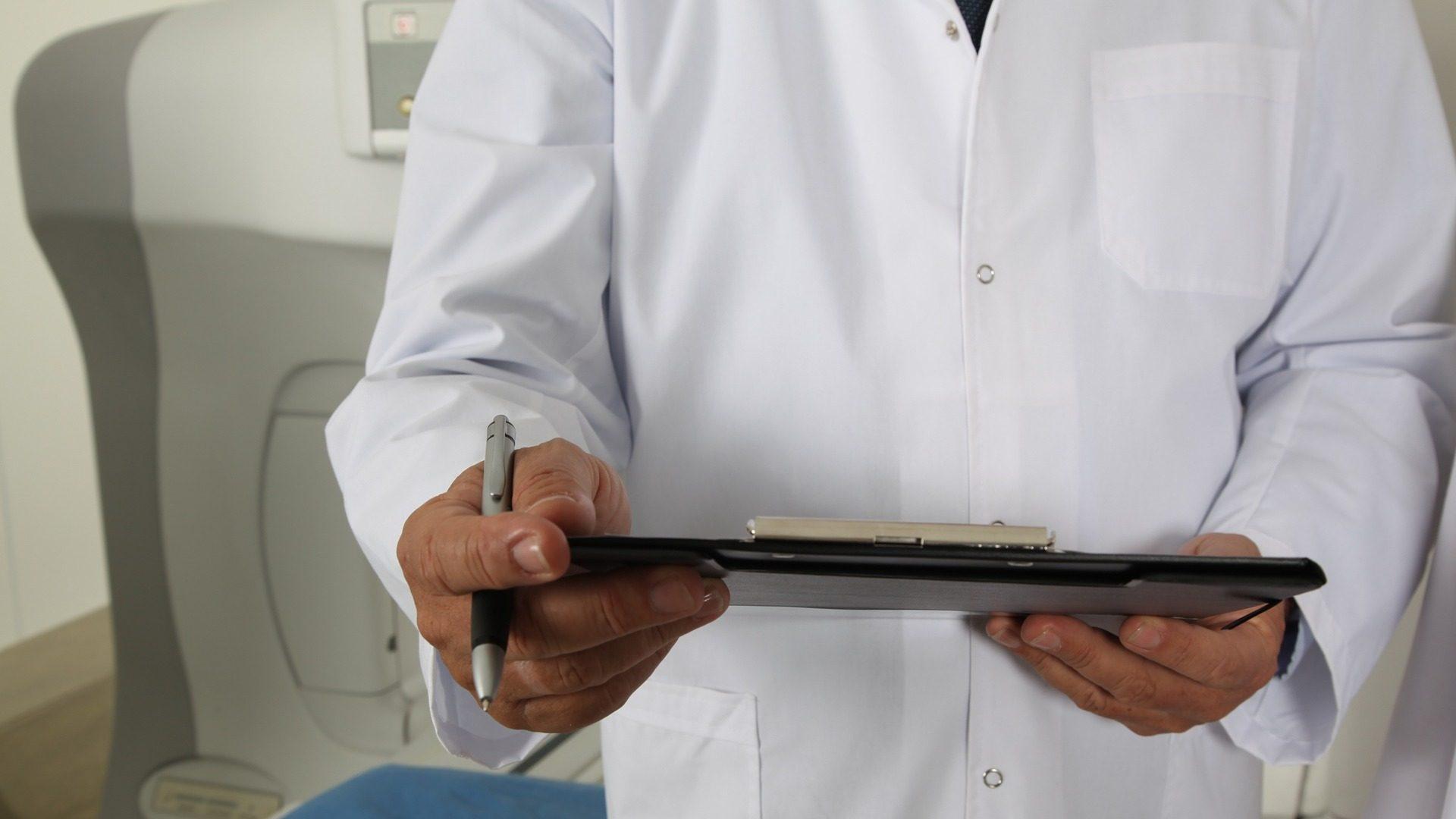 """הטבות בביטוח נסיעות בכלל ביטוח: רופא Online מכל מקום בעולם והנחה ברכישת מט""""ח"""