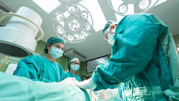 ייצוגית נגד הראל והפניקס: מסרבות ללא הצדקה לפצות בגין ניתוח מניעה
