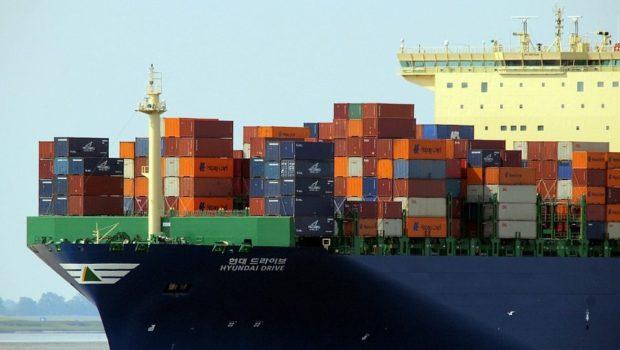אניות גדולות, בעיות גדולות / מאת ישראל גלעד