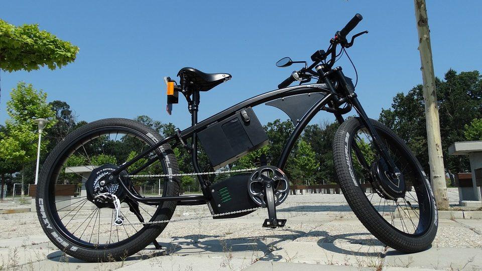 המחוזי בחיפה בפסיקה תקדימית: אופניים חשמליים מהווים רכב מנועי