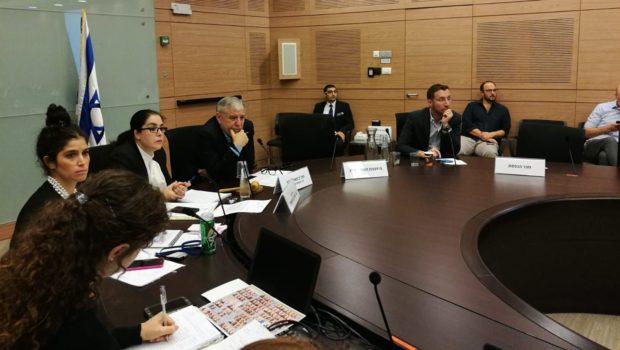 חברי ועדת הרווחה בכנסת דורשים מהרשות להסדיר את נוהלי יישוב תביעות הסיעוד