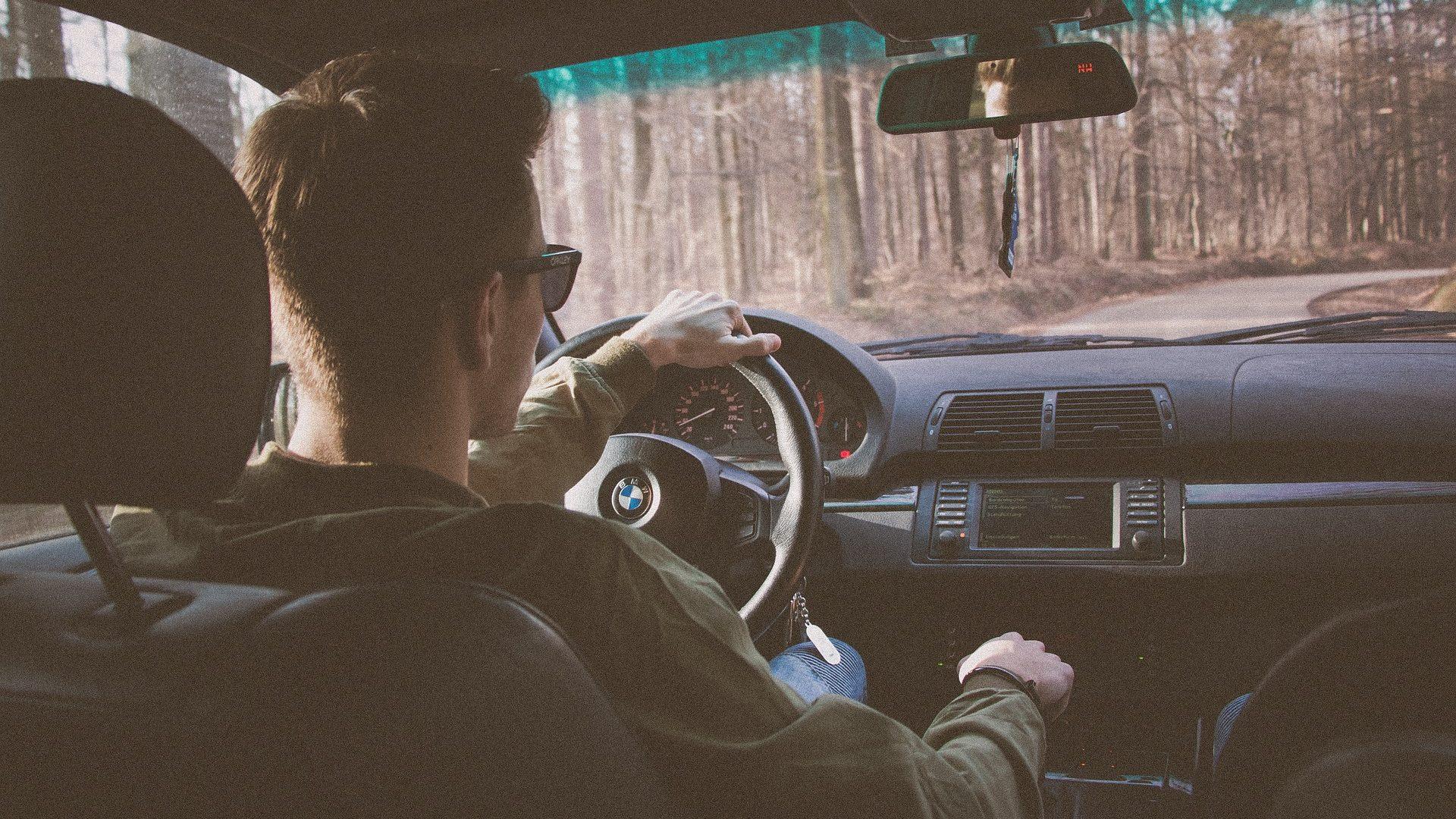 """נדחתה תביעה להכרה בתאונה כתאונת דרכים נוכח התקף כעס שפקד את הנהג בעת הנהיגה / מאת עו""""ד ג'ון גבע"""