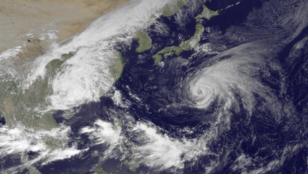 """בעקבות הסופה הטרופית """"פאבוק"""", מבטחות מאריכות את ביטוחי הנסיעות למטיילים השוהים בדרום תאילנד"""
