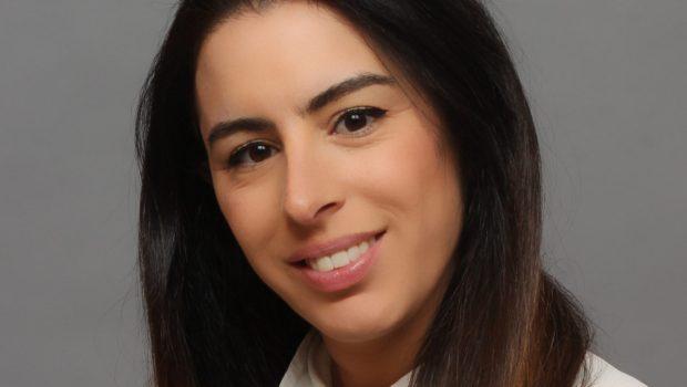 """עינת קוברסקי, מנהלת חיתום עסקי ב-Aon ישראל: """"טיפול במערכי ביטוח גדולים ומורכבים מרגיש כמו יצירת אומנות"""""""