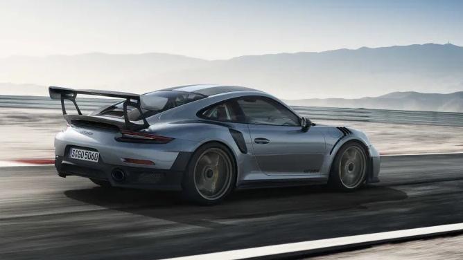 פולקסוואגן מחזיר את Porsche 911 GT2 RS לייצור / ישראל גלעד
