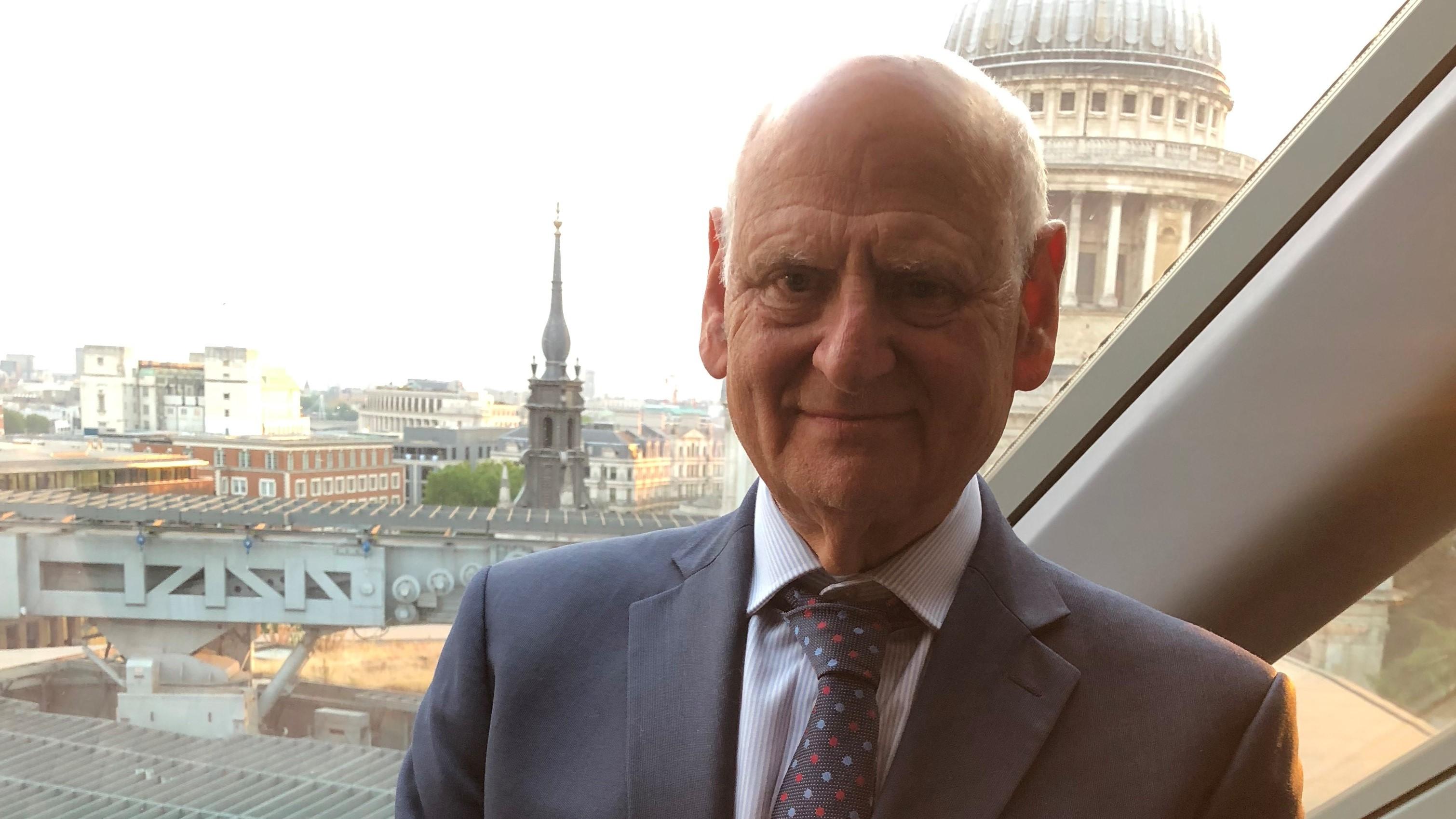 דן רווה פורש מרמון לונדון לאחר 35 שנה
