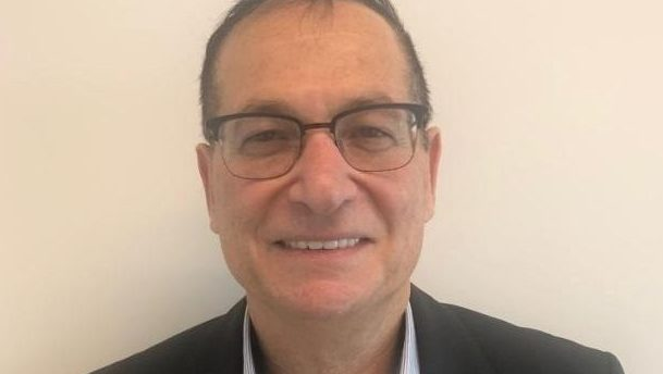 לאחר 24 שנים: מנהל ההשקעות הראשי של מנורה מבטחים יוני טל פורש מתפקידו