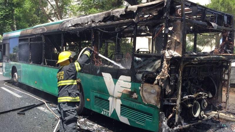 סקוריטס דחתה תביעה לתגמולי ביטוח בגין שריפת האוטובוס בטענה שיש חשש להצתה מכוונת