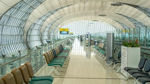 """אגודת האקטוארים: הטיסה עצמה היא גורם מגדיל סיכון בביטוח נסיעות לחו""""ל"""