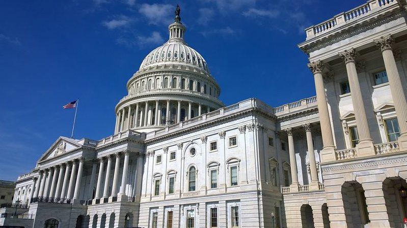 הקונגרס האמריקאי דורש מהמבטחים לכסות נזקי הקורונה