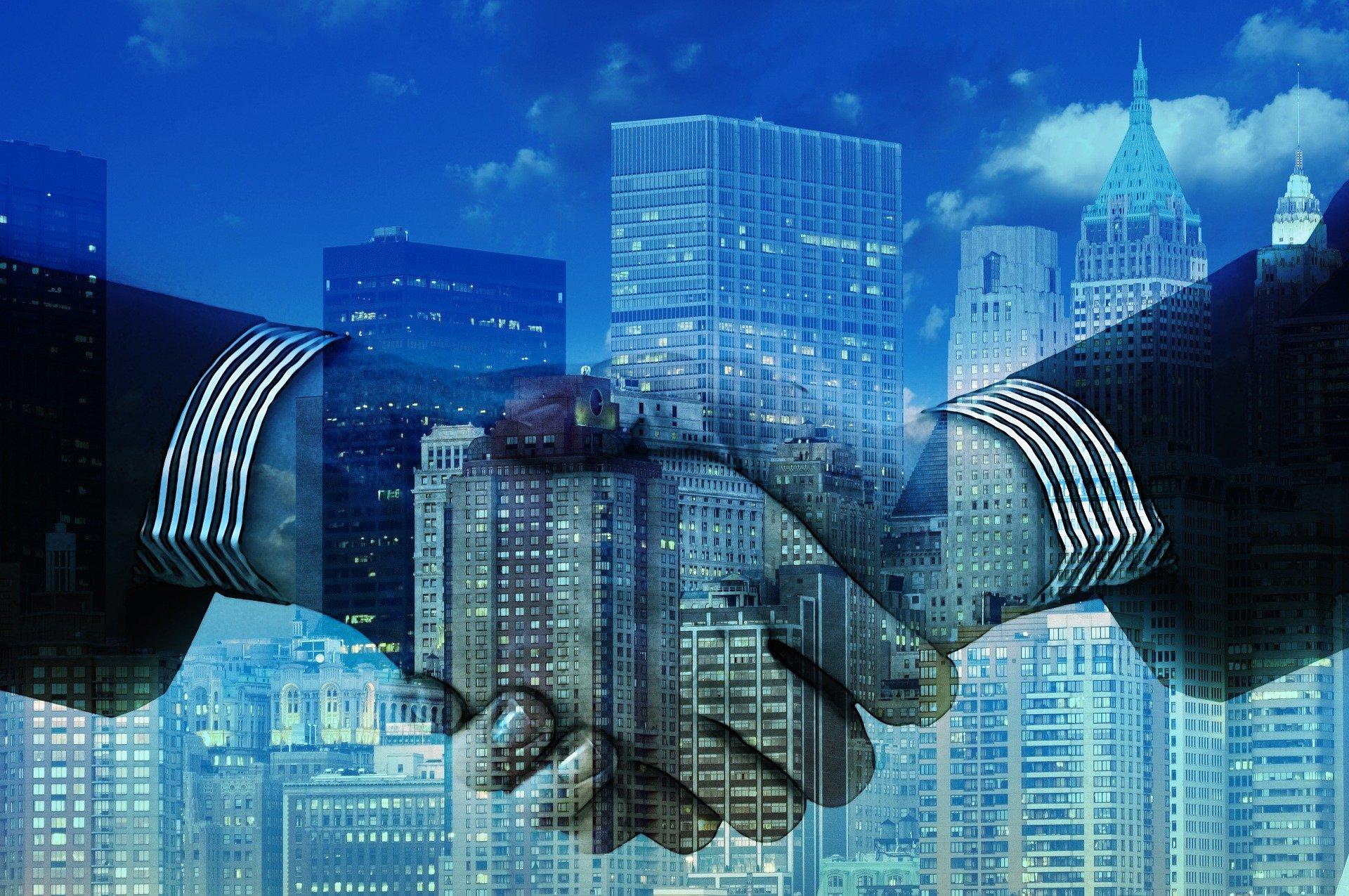 קיפול שכבות: בית ההשקעות אקסלנס ממזג חברות בנות במטרה לנהל את העסקים באופן מאוחד