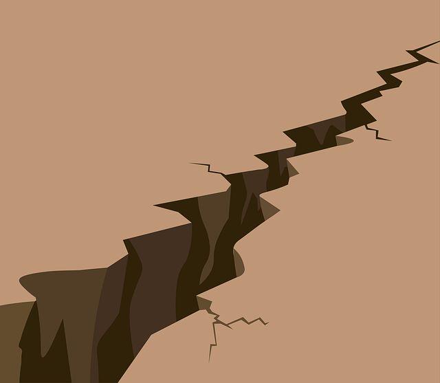 """האם ראוי לבטח נזקי קטסטרופה (רעידת אדמה) במתכונת """"נזק ראשון""""? / מאת יעקב קיהל"""