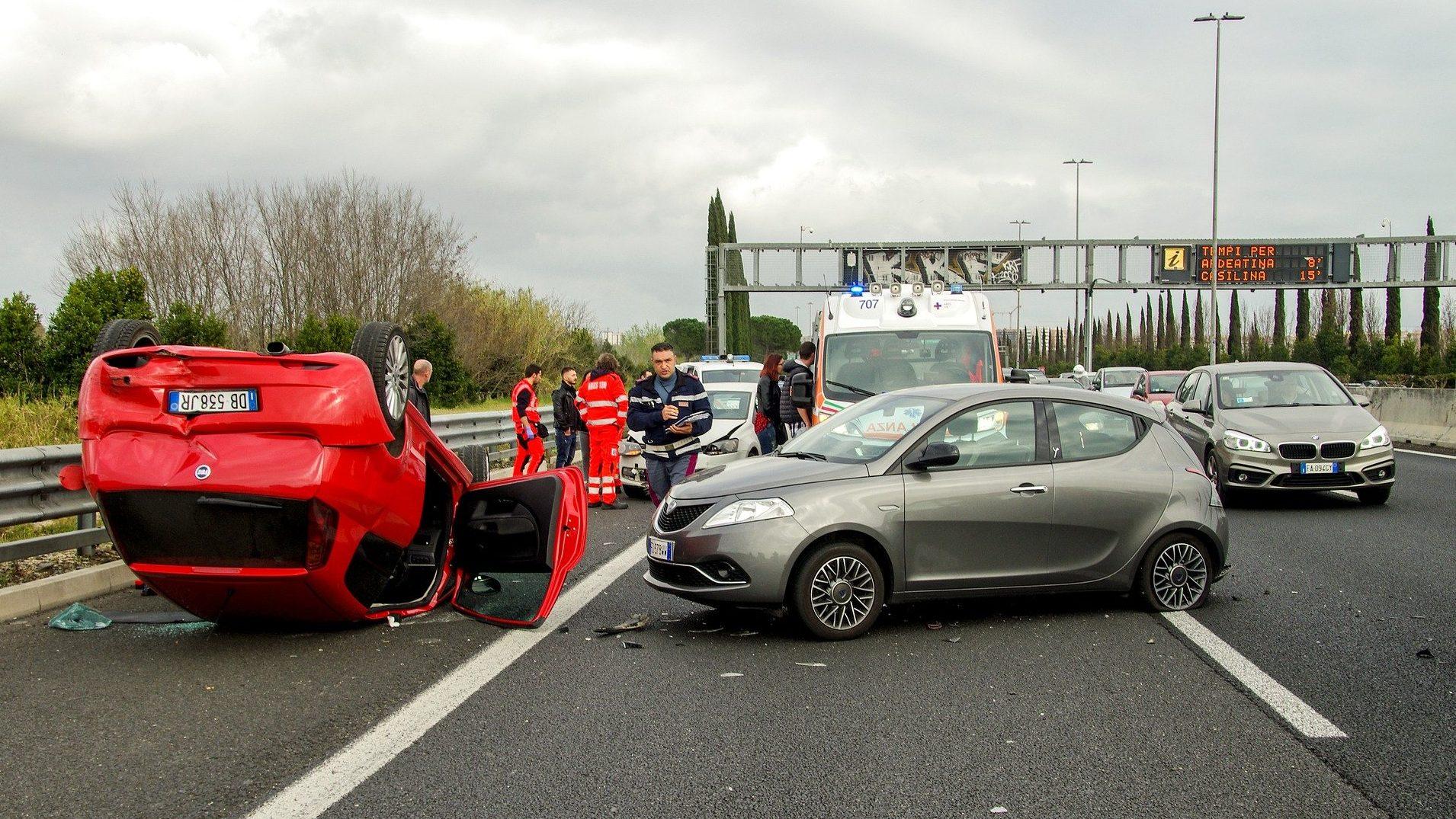 האם נשים נפגעות יותר בתאונות עקב סוג המכונית?