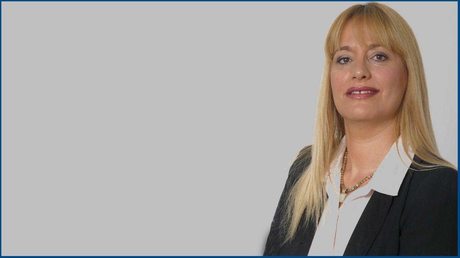 """עו""""ד סיגל שלימוף קיבלה את אות לשכת עורכי הדין להתנדבות למען הקהילה"""