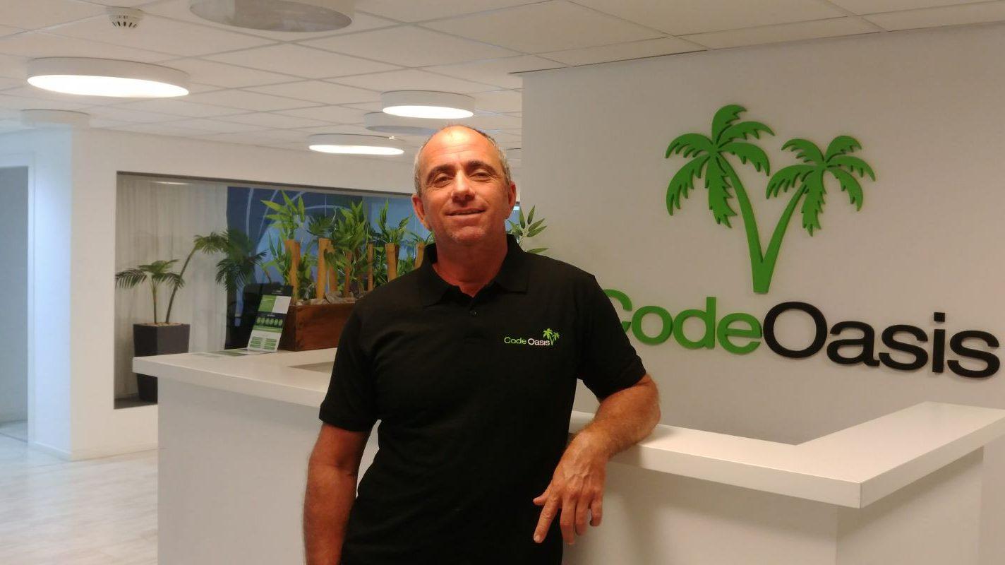 """שיחת פוליסה עם מנכ""""ל קוד אואזיס רונן פישר:האבולוציה של מערכות הליבה בעולם הביטוח"""