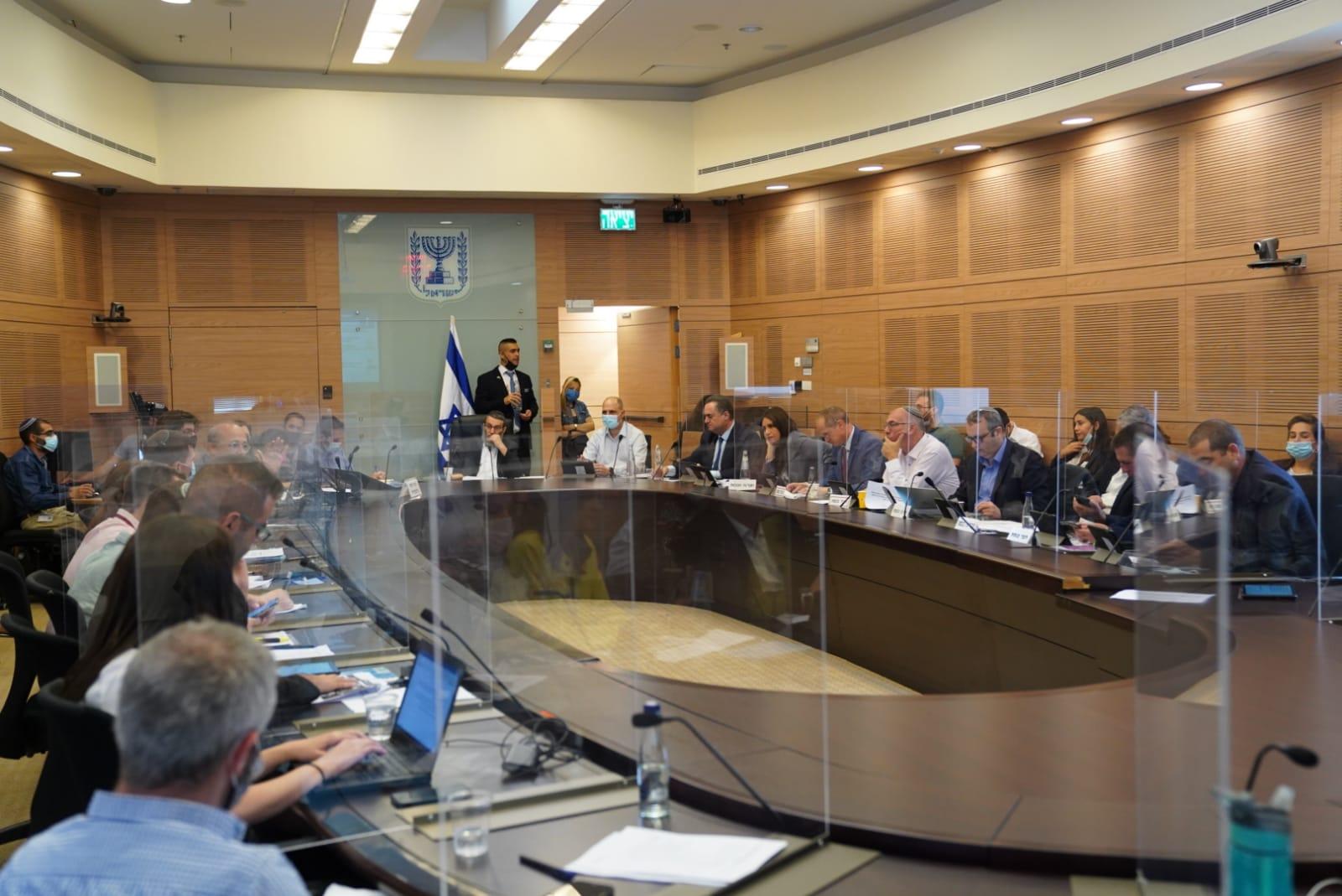 """לאחר הגדלת התשואה המובטחת ל-5.15% – ועדת הכספים אישרה את הרפורמה לביטול האג""""ח המיועדות"""