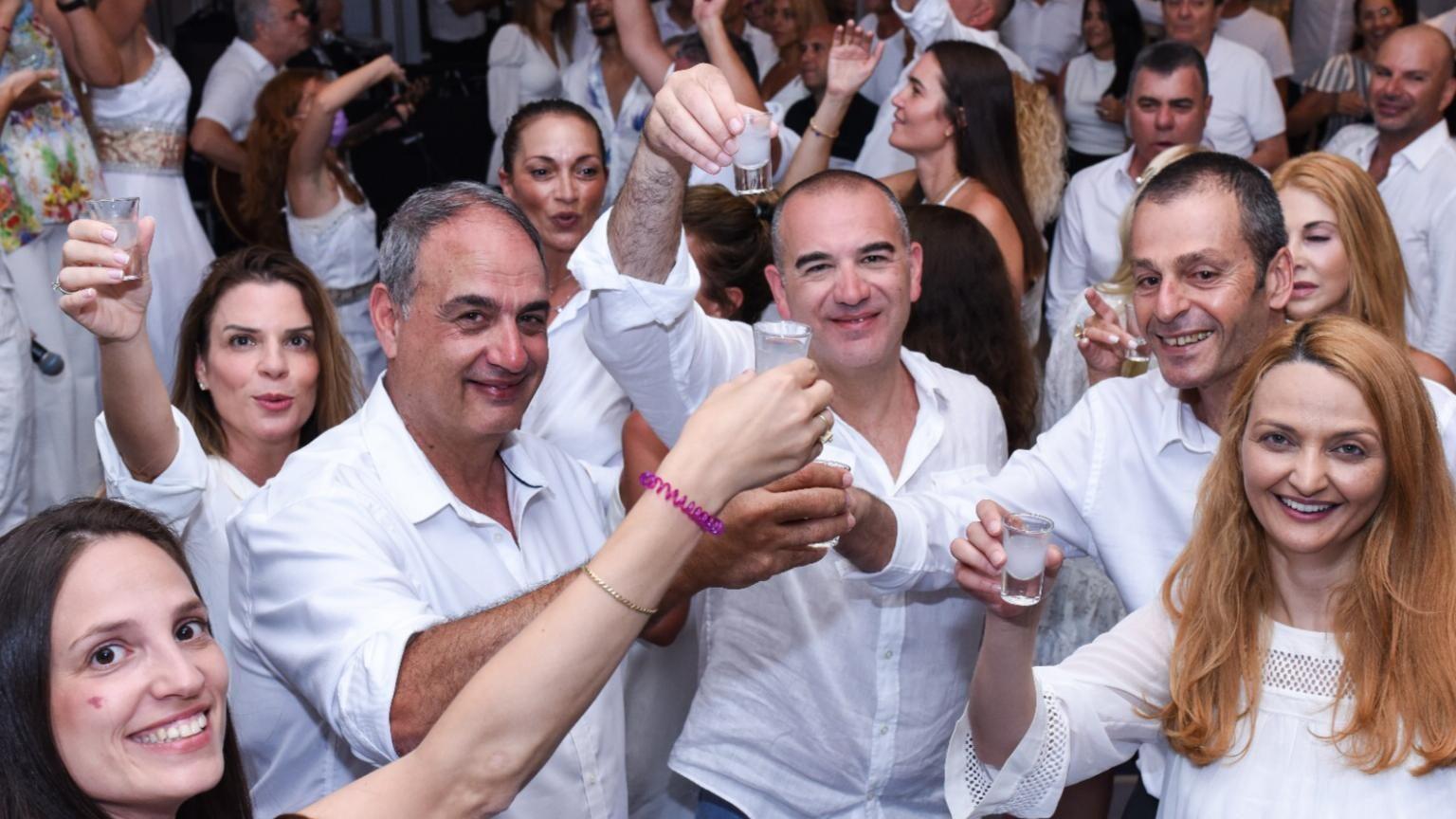 שלמה הטיסה את מועדון 100 הסוכנים המצטיינים ובנות זוגם לפאפוס, קפריסין
