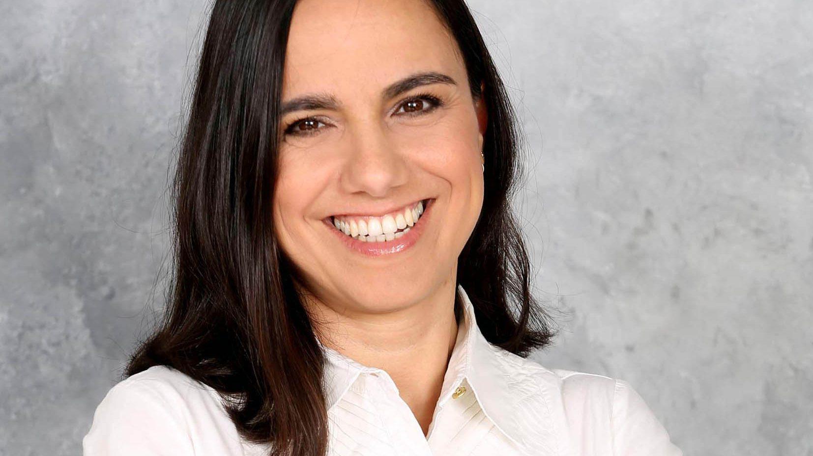 """לי דגן מסיימת את תפקידה כסמנכ""""ל ביטוחי רכב ודירה ב-AIG ועוברת למנורה מבטחים"""