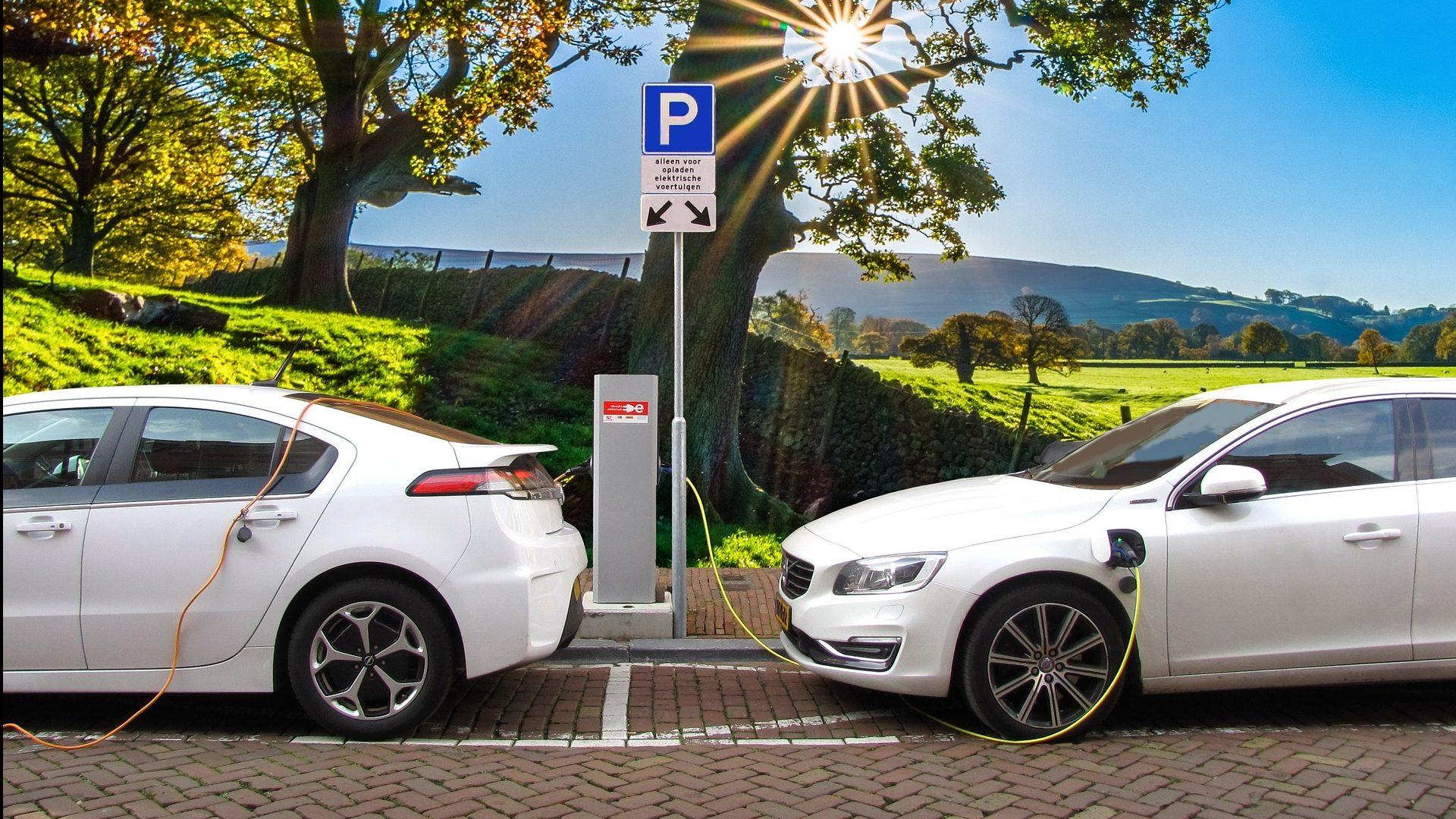 Volvo תשיק עד 2030 מכוניות חשמליות עם מוצרי ביטוח משלימים